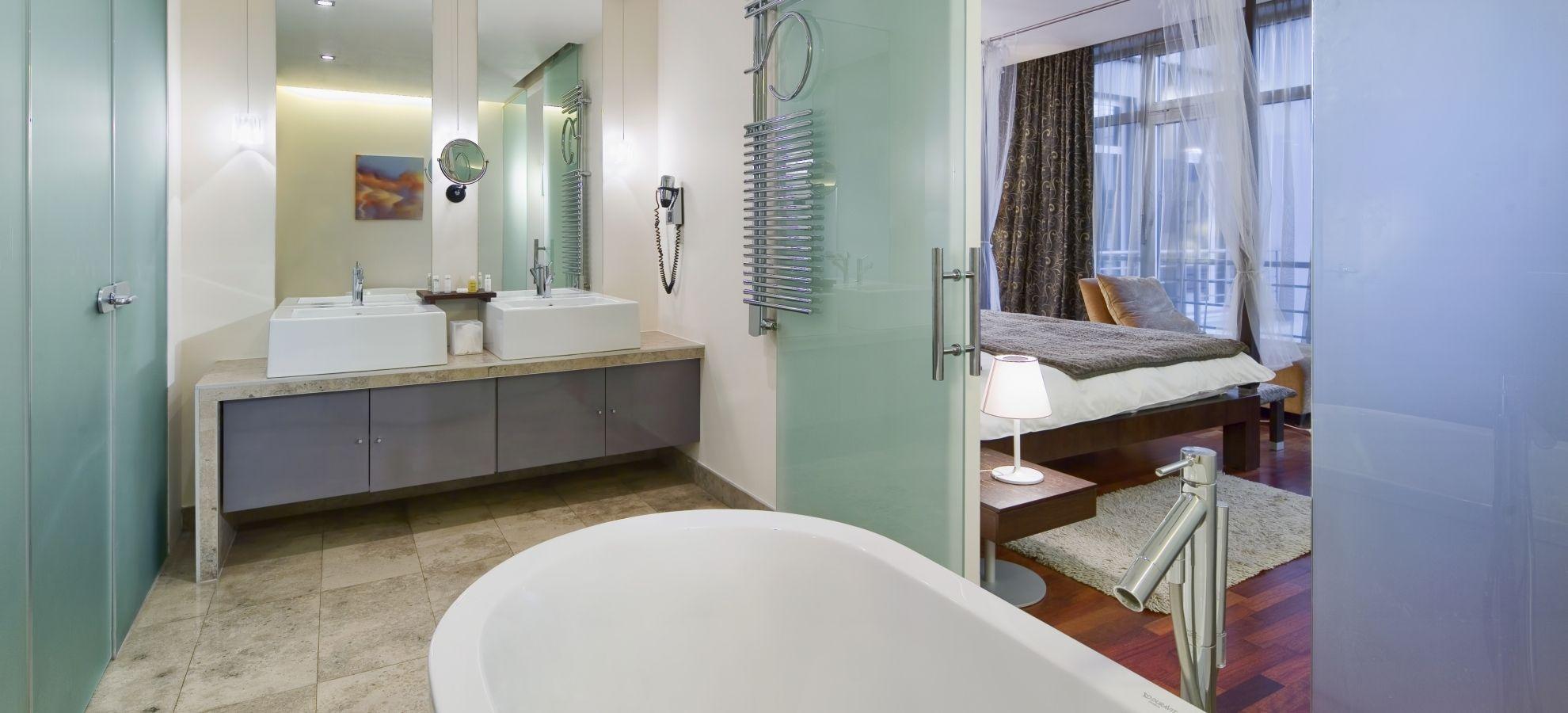 Mamaison-Hotel-Pokrovka-Moscow-Presidential-Suite-Bathroom.jpg