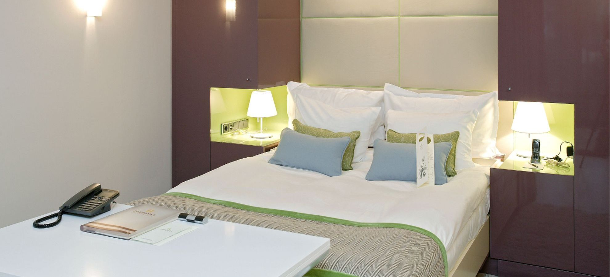 Mamaison-Hotel-Pokrovka-Junior-Suite-Bed.jpg