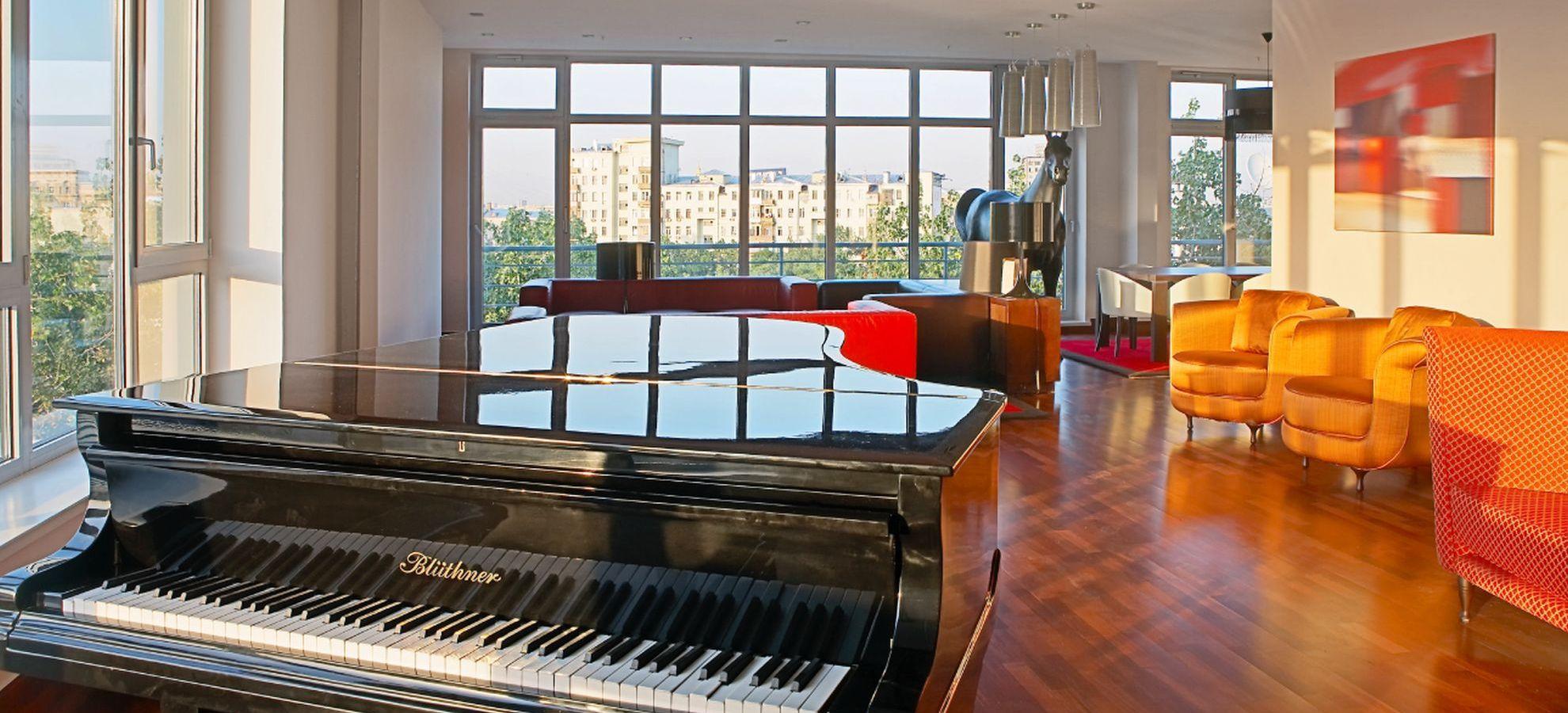Mamaison-Hotel-Pokrovka-Chairman-Suite-Piano.jpg