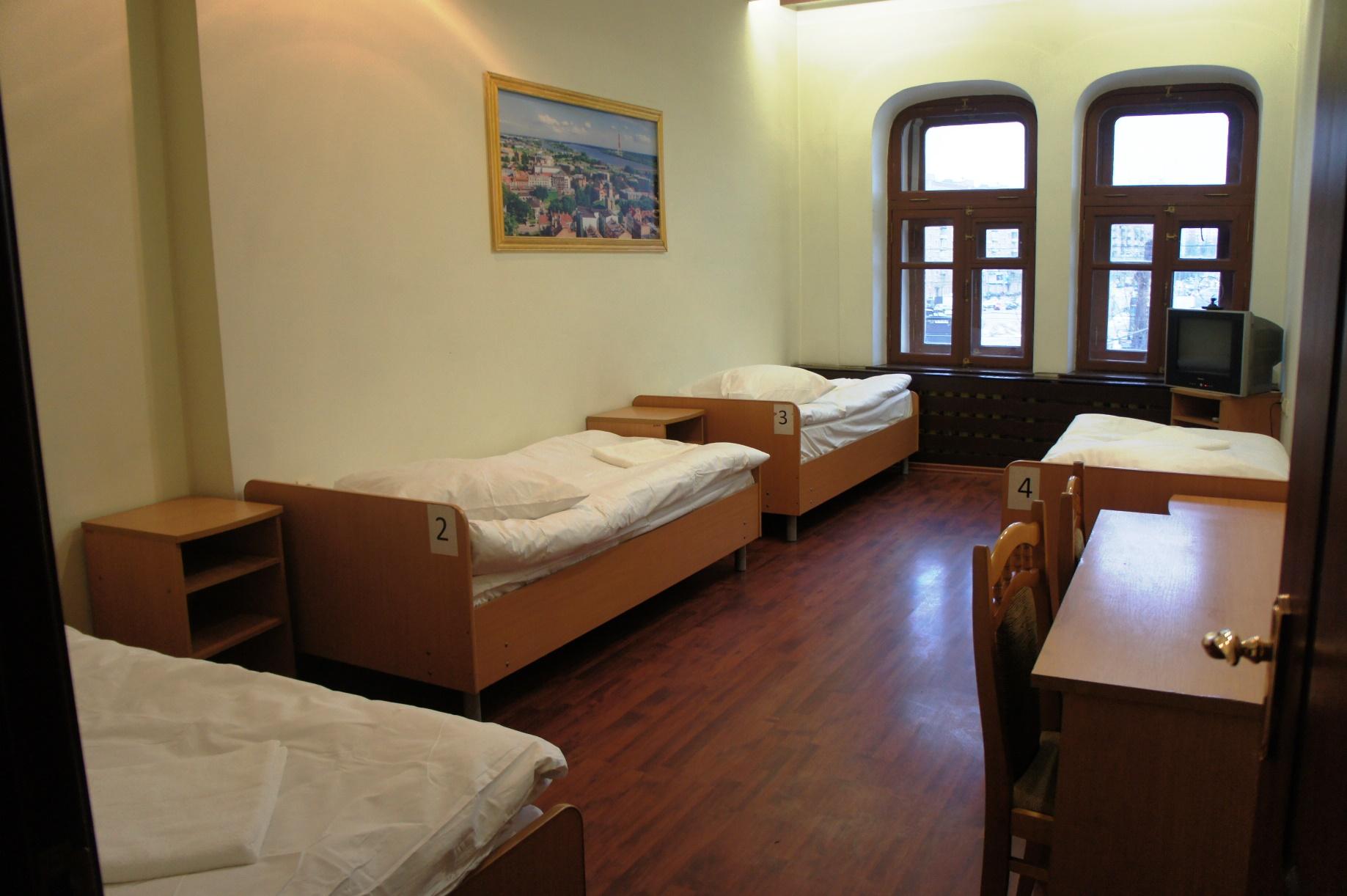 4_5_hostel 1.JPG