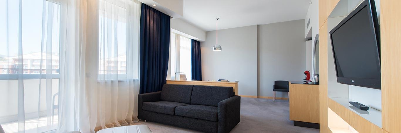 modern-junior-suite-04.jpg