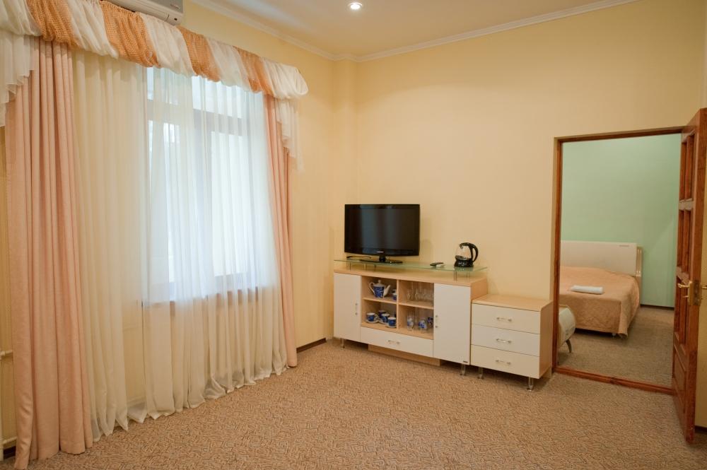 Suite-3-1.jpg