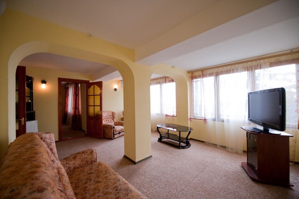 Suite-12.jpg