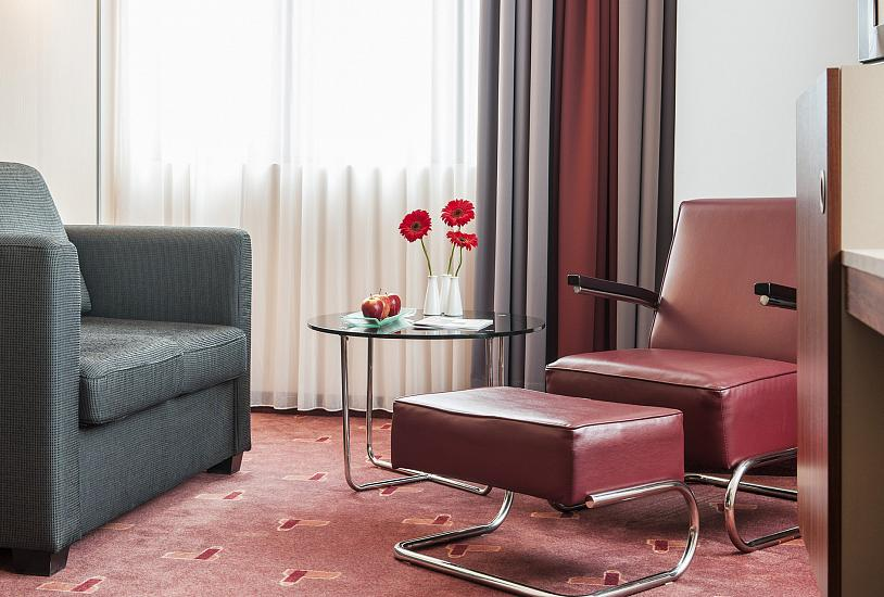 superior_double_armchair_1.jpg