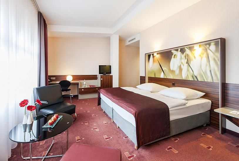 standard_double_bed_room_3.jpg