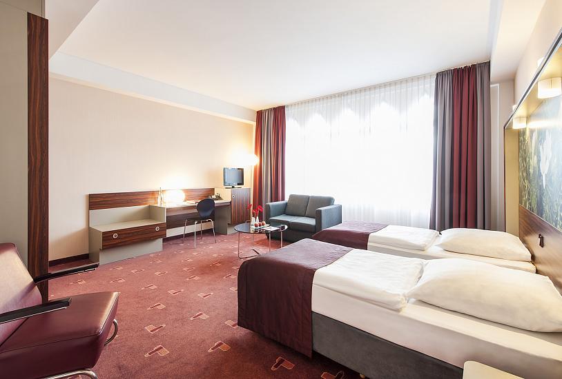 deluxe_twin_bed_room_1.jpg