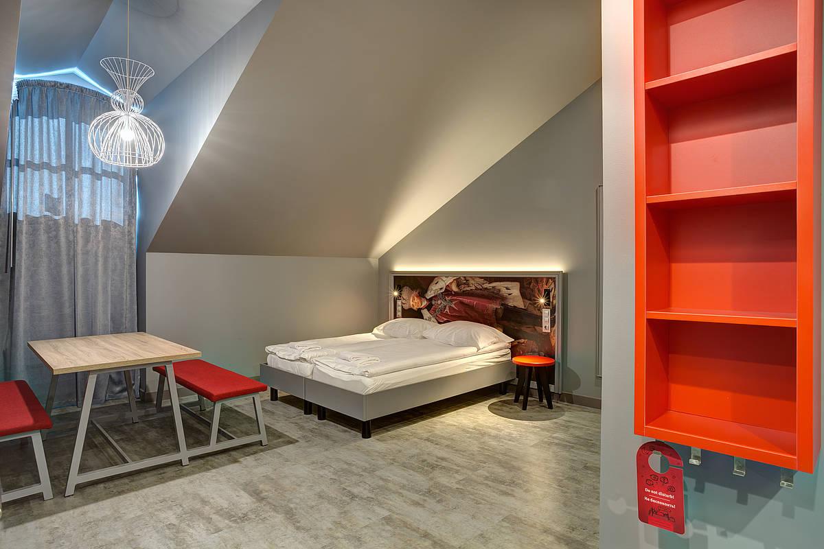 3453-meininger-hotel-st-petersburg-nikolsky-mehrbettzimmer-94f594f.jpg