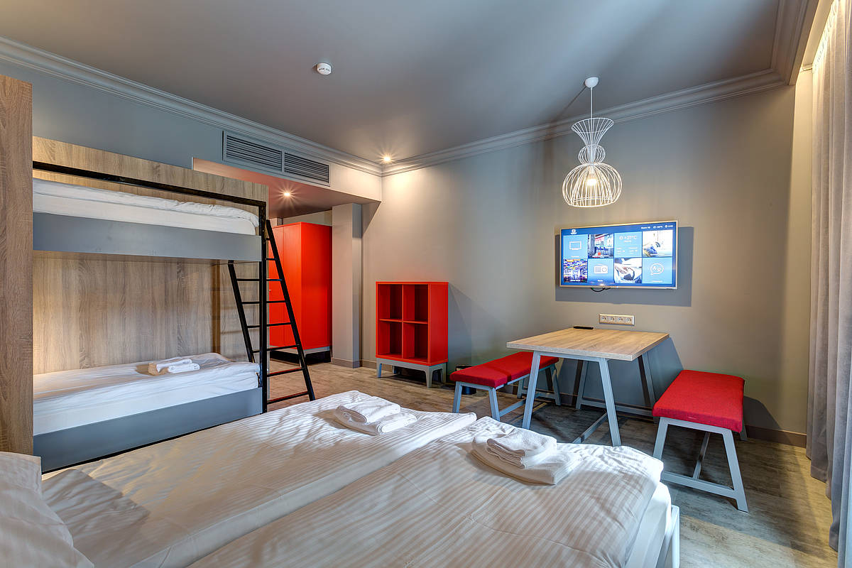 3444-meininger-hotel-st-petersburg-nikolsky-mehrbettzimmer-1c0ed71.jpg