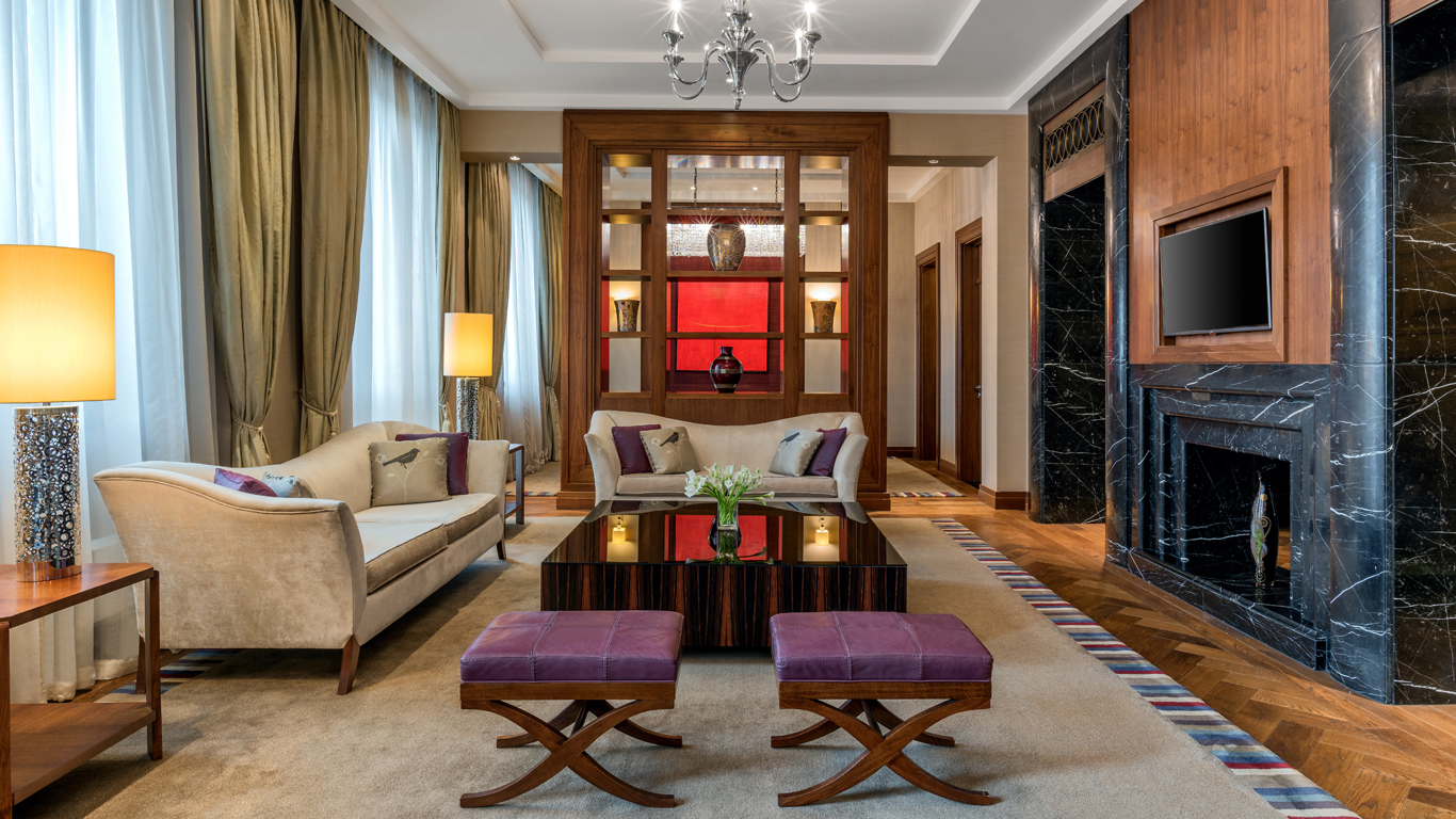 Corinthia_-_St-Petersburg_-_Accommodation_-_Rooms_-_Royal-Suite_-_Living-Room_-_1.jpg