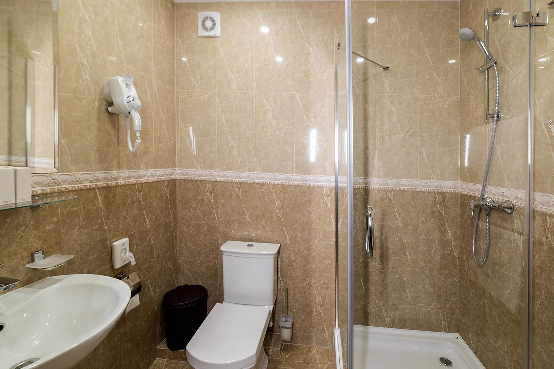 полулюкс ванная комната .jpg